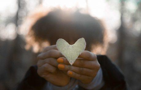 אהבה מביאה אהבה וזהו אושר אדיר